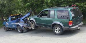 Fast auto towing service